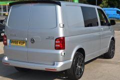 VOLKSWAGEN TRANSPORTER T28 TDI P/V HIGHLINE MODIFIED DAY VAN WITH CARPET AND WINDOWS - 2477 - 5