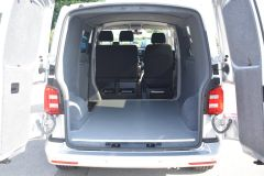 VOLKSWAGEN TRANSPORTER T28 TDI P/V HIGHLINE MODIFIED DAY VAN WITH CARPET AND WINDOWS - 2477 - 18