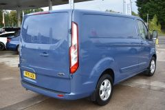 FORD TRANSIT CUSTOM 270 LIMITED METALLIC BLUE RARE COLOUR VAN LOW MILES - 1952 - 4